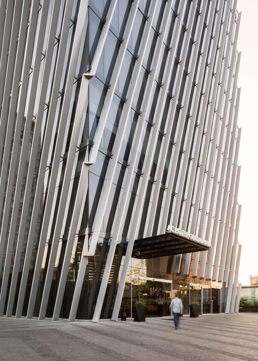 Torre Américas 1500 by Sordo Madelano Arquitectos