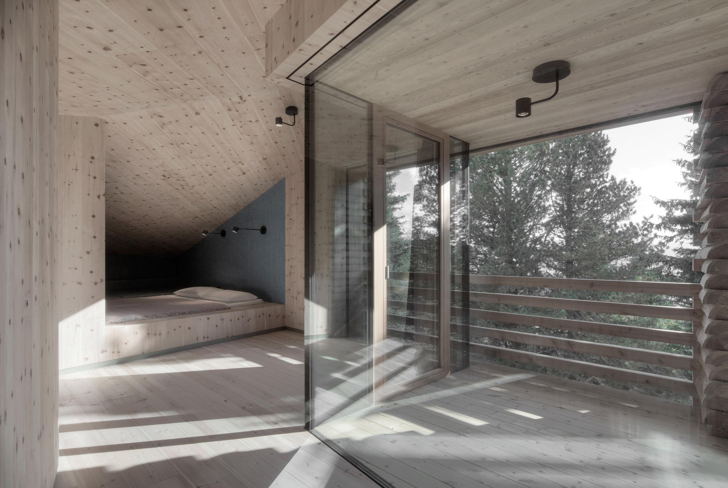 Twisted House by Bergmeisterwolf Architekten