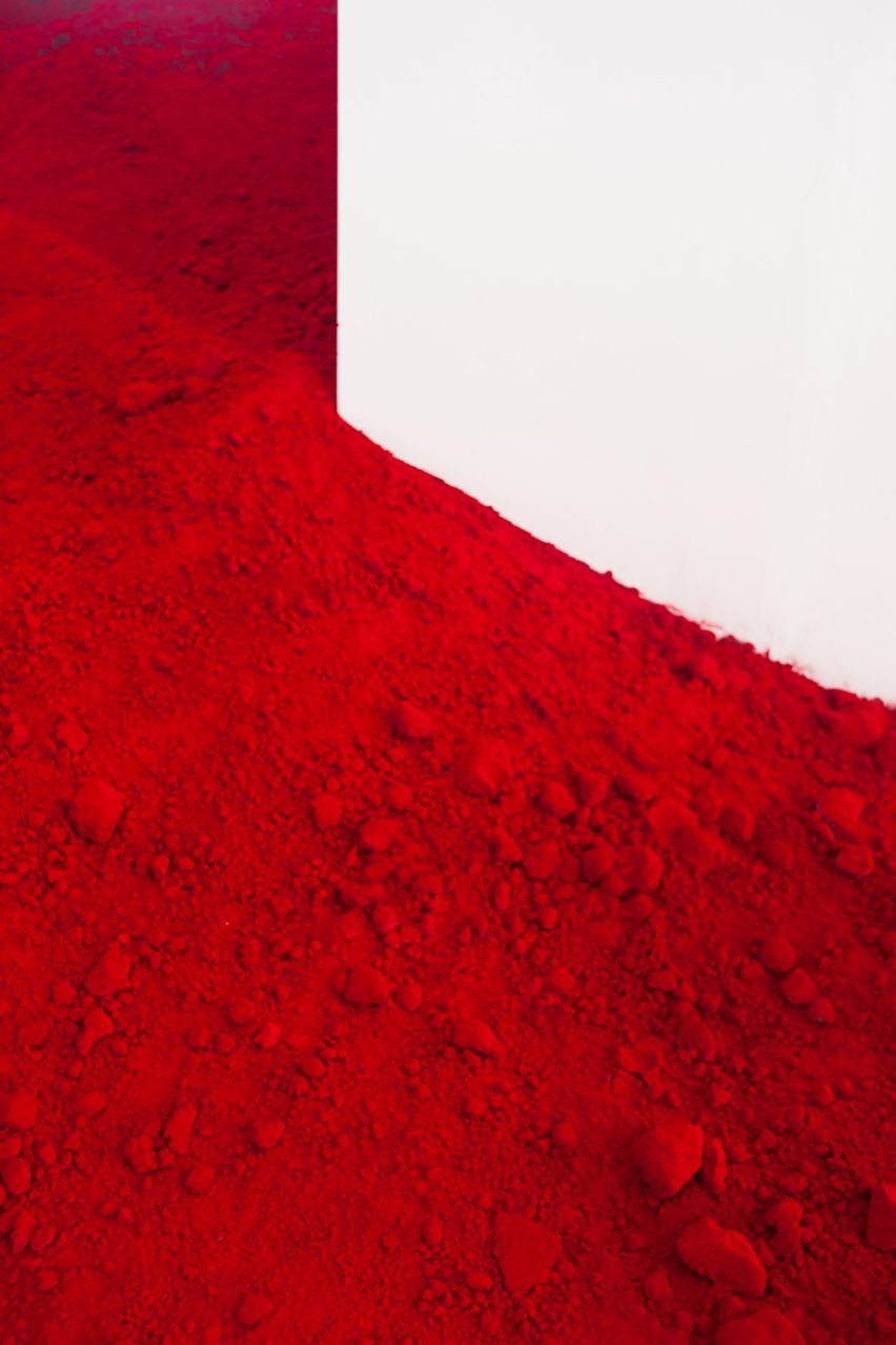 Destierro installation by Anish Kapoor