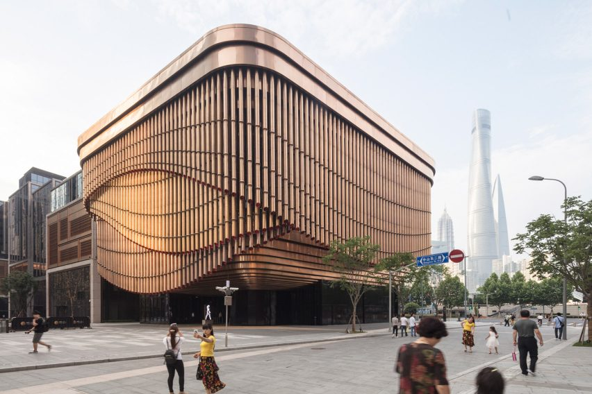 Foster And Heatherwick Build Shanghai Arts Centre With Curtain Like