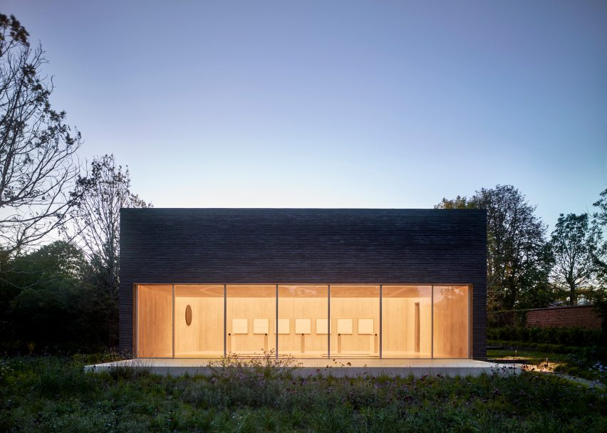 De Maria Pavilion, Bridgehampton, New York, by Gluckman Tang Architects