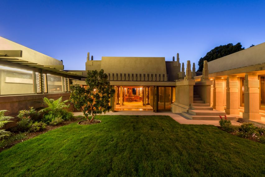 Frank Lloyd Wright\'s Hollyhock House is an early example of Mayan ...