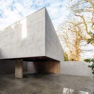 Guard Tillman Pollock slots modernist-styled Holm House behind Highgate residence