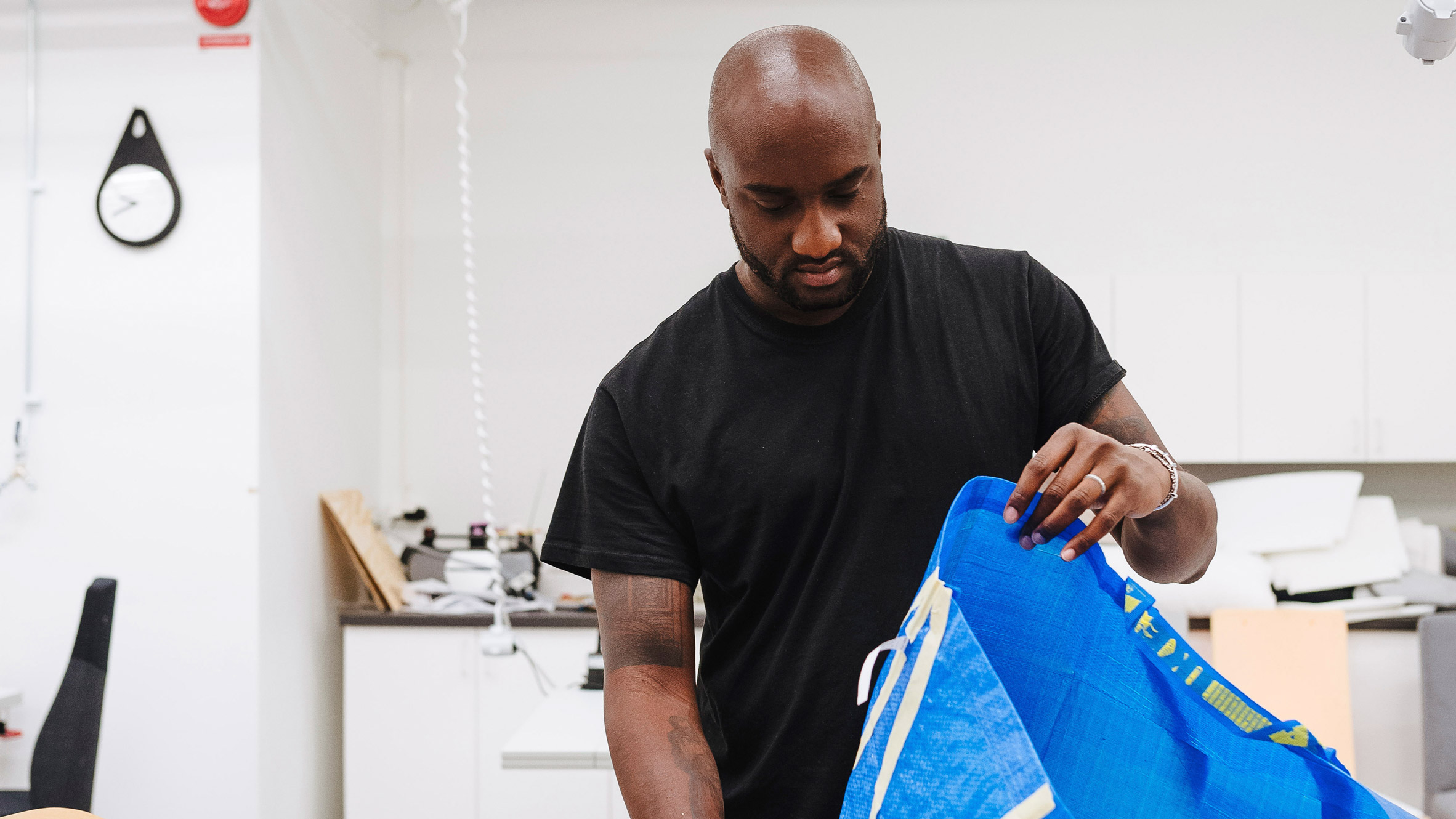 Off-White Is Redesigning the Ikea Tote Bag