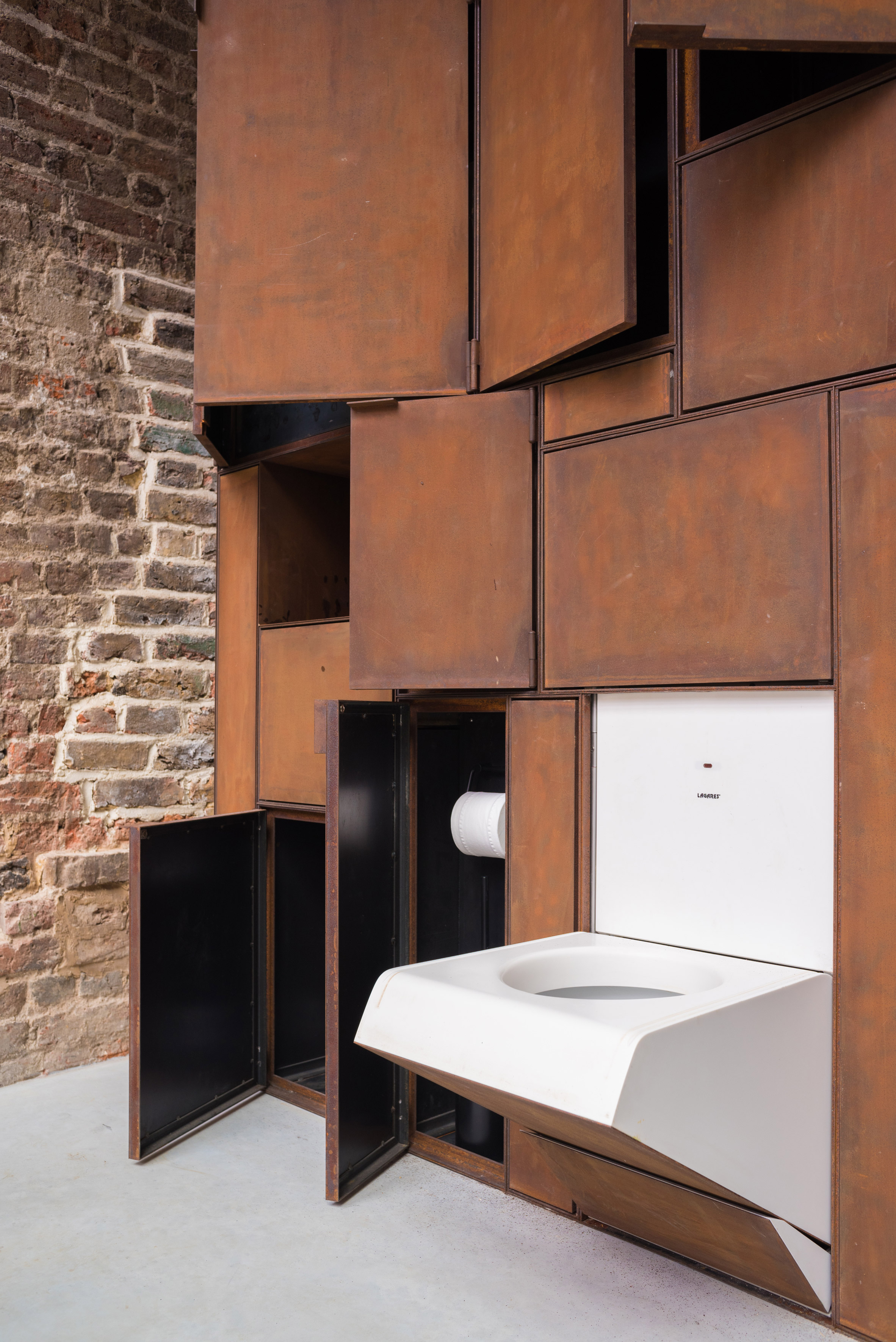 Residential extension: The Layered Gallery, London, by Gianni Botsford Architects