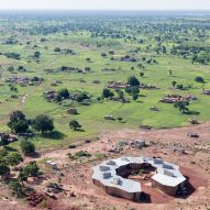Diébédo Francis Kéré uses local materials for ring-shaped school in Burkina Faso