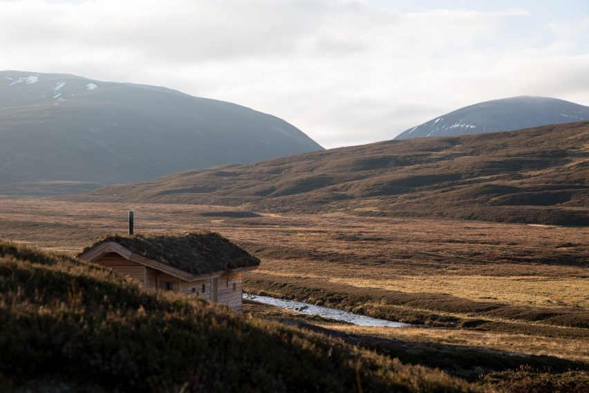 Modernist highland hut by Moxon Architects