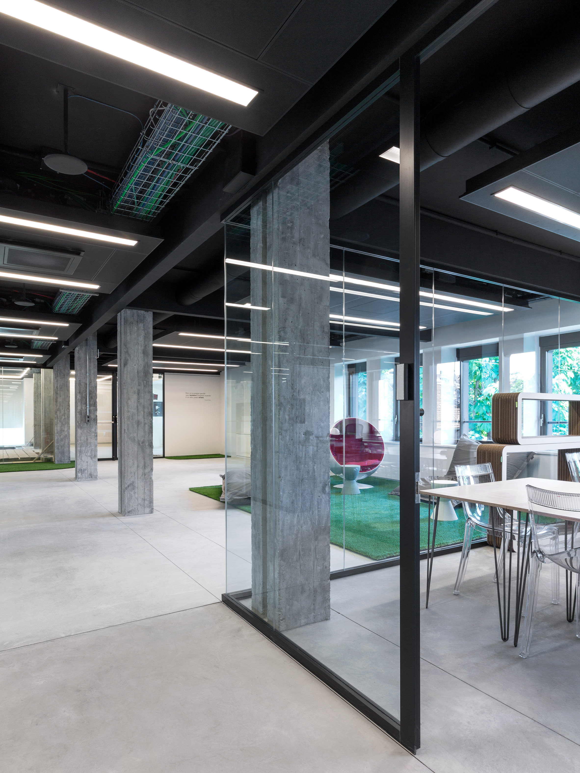 "Carlo Ratti reveals Office 3.0 workspace that promises to end ""thermostat wars"""