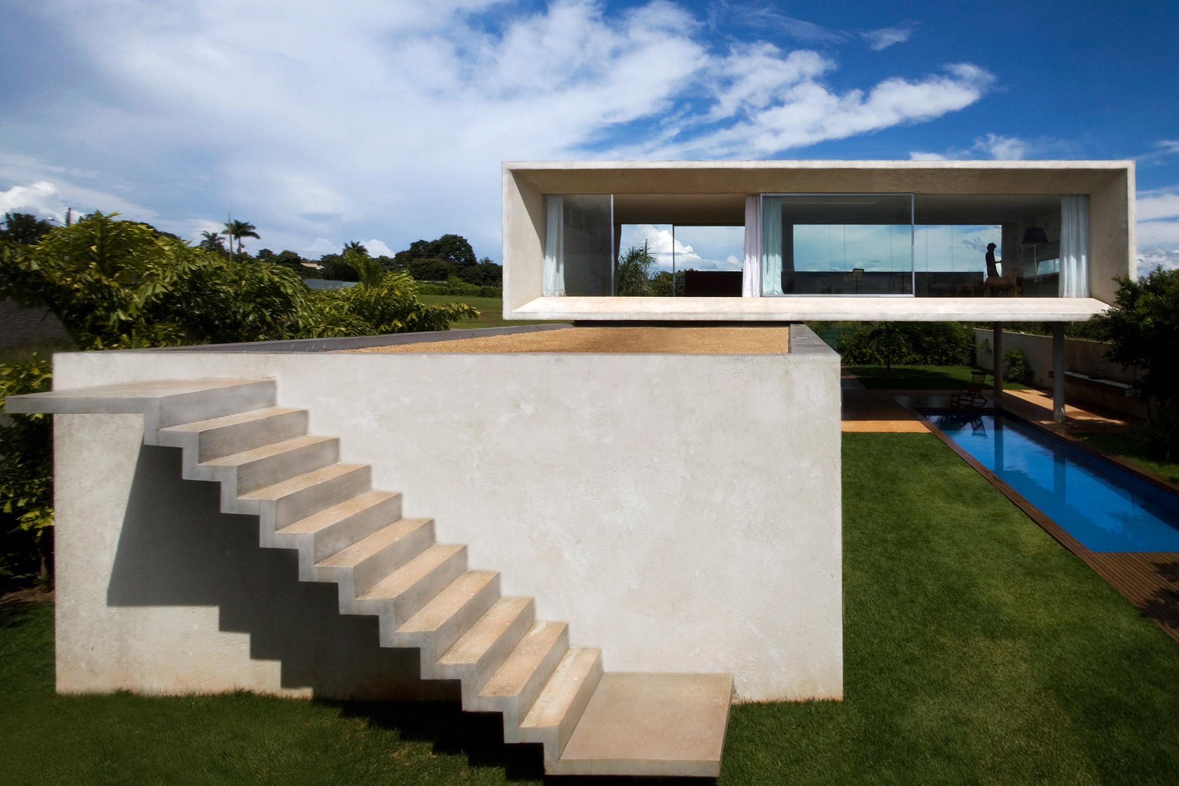 Studio MK27 takes cues from Brazilian modernism for Osler House in Brasília