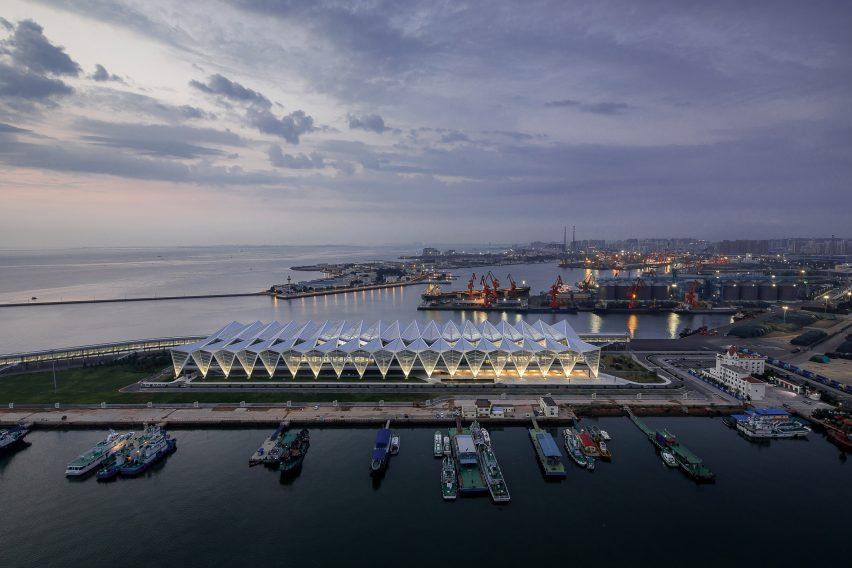 Qingdao Cruise Terminal by Mozhao Studio