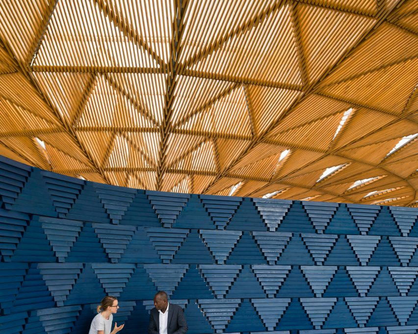Serpentine Pavilion by Jim Stephenson