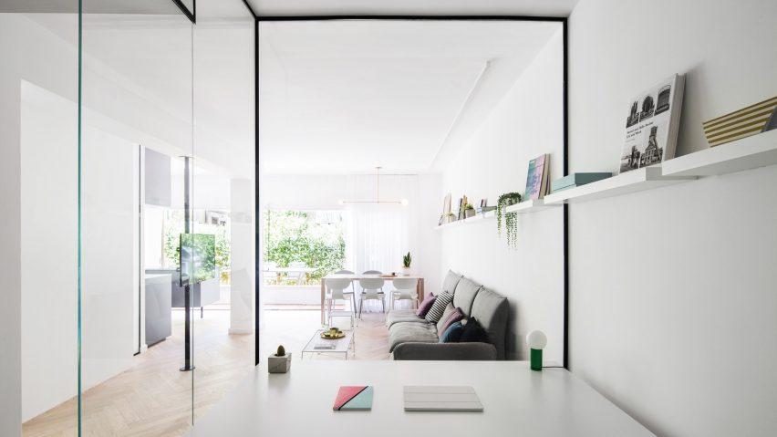 Studio 6b的Amir Navon和Maayan Zusman设计特拉维夫公寓