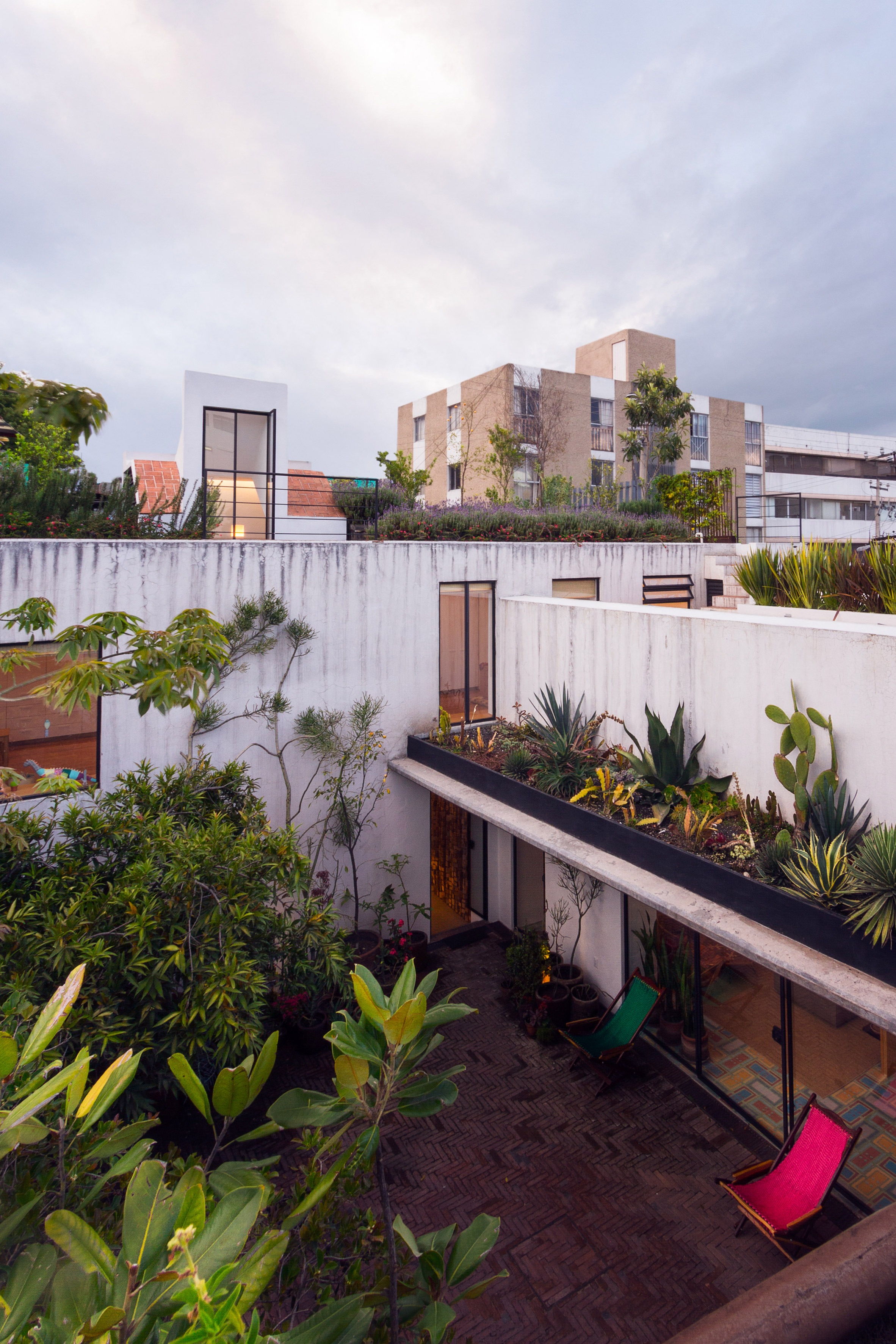 Andres Stebelski opens up artist's Mexico City house to its courtyard during renovation