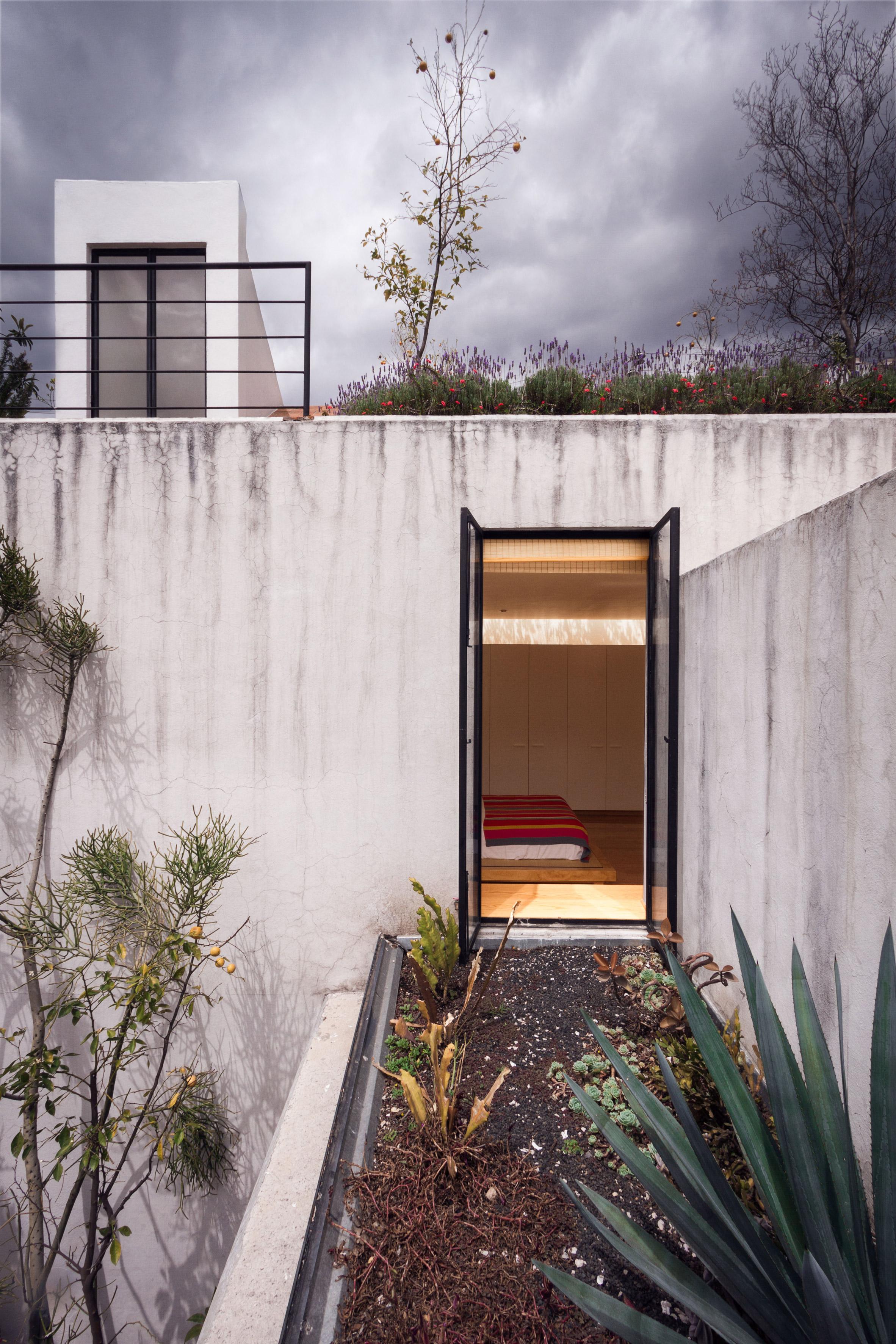 Veramendi House by Andres Stebelski