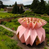 "Studio Morison installs origami-like ""pineapple"" in Berrington Hall's 18th-century garden"