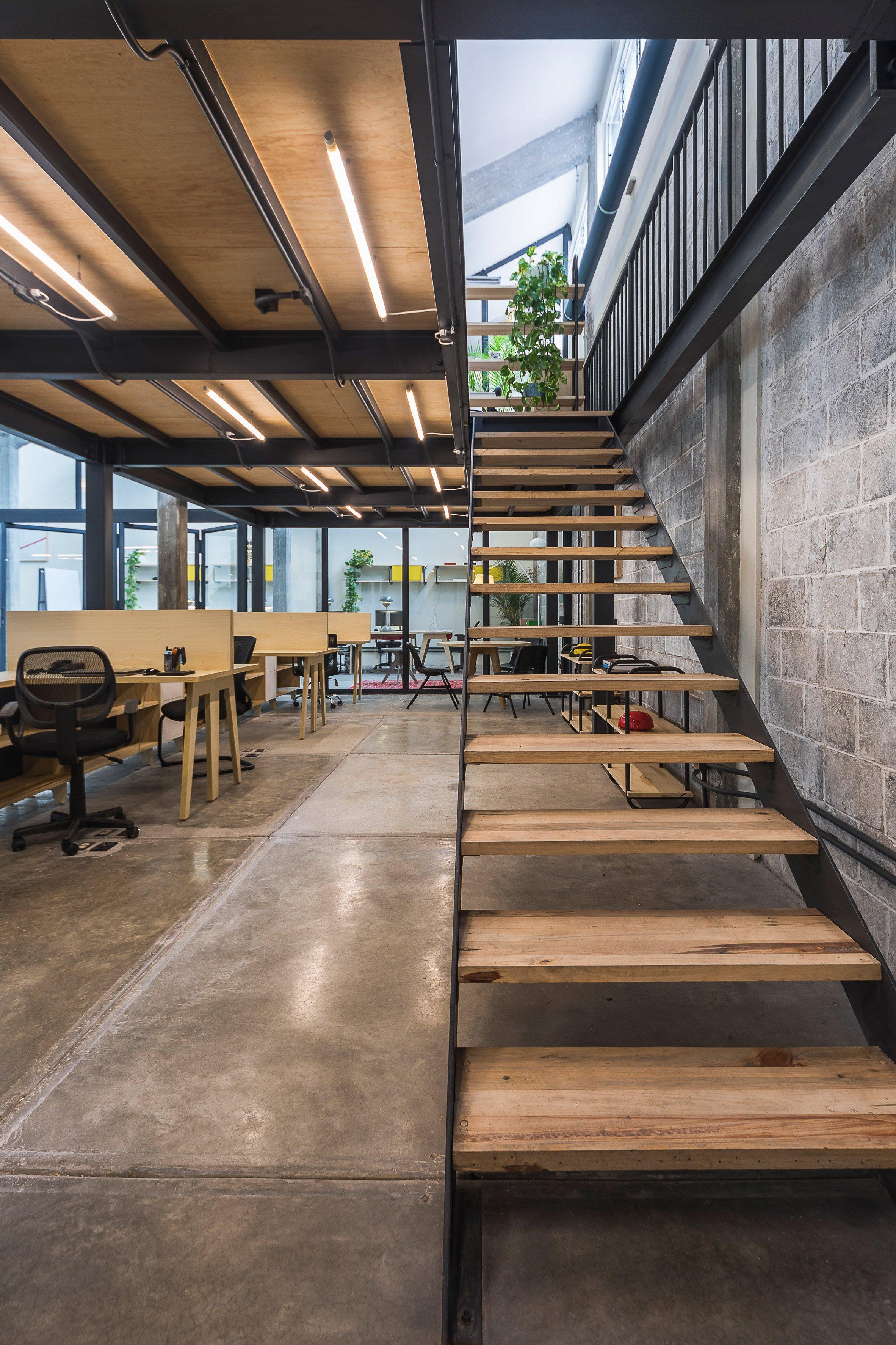 Guateque offices by Estudio Atemporal