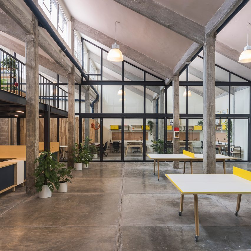Guateque offices by Estudio Atemporal