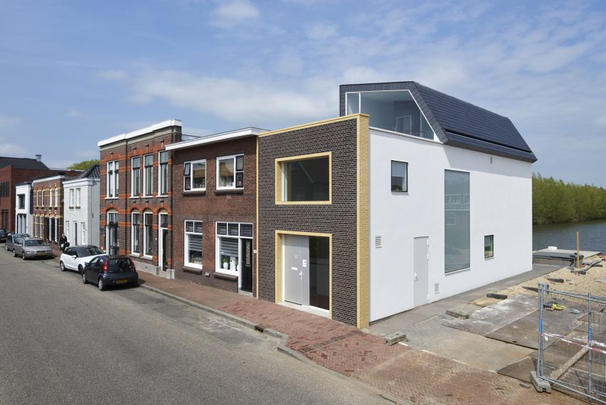 Ruud Visser Architects designs House Meerkerk on traditional Dutch street