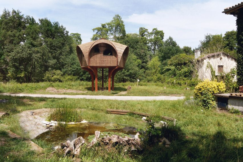 Studio Weave design a hiking shelter called Le Haut Perché