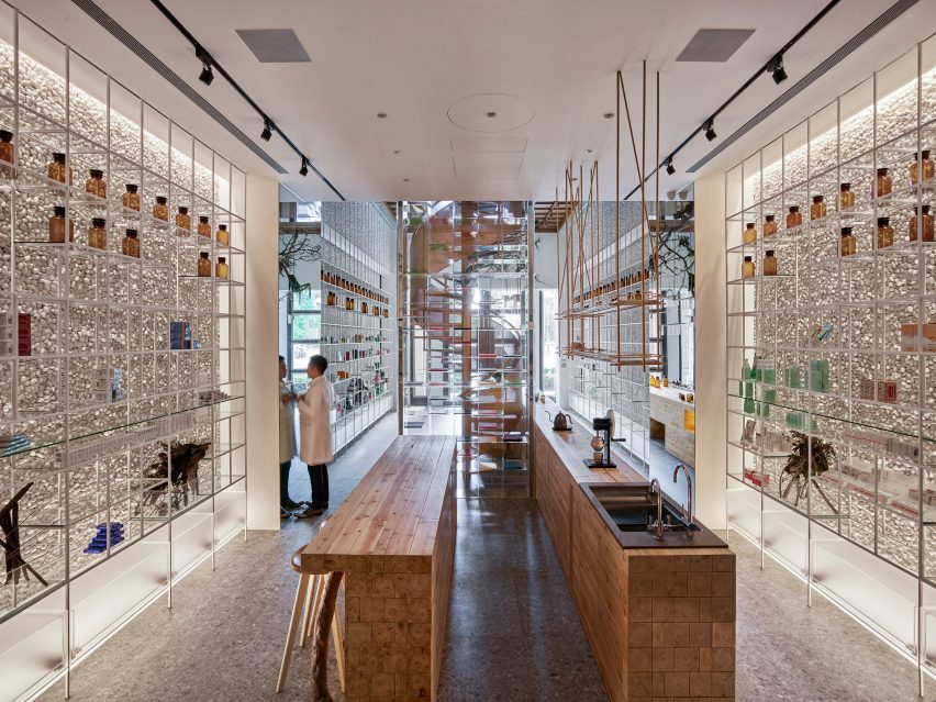 Waterfrom Design create Molecure Pharmacy