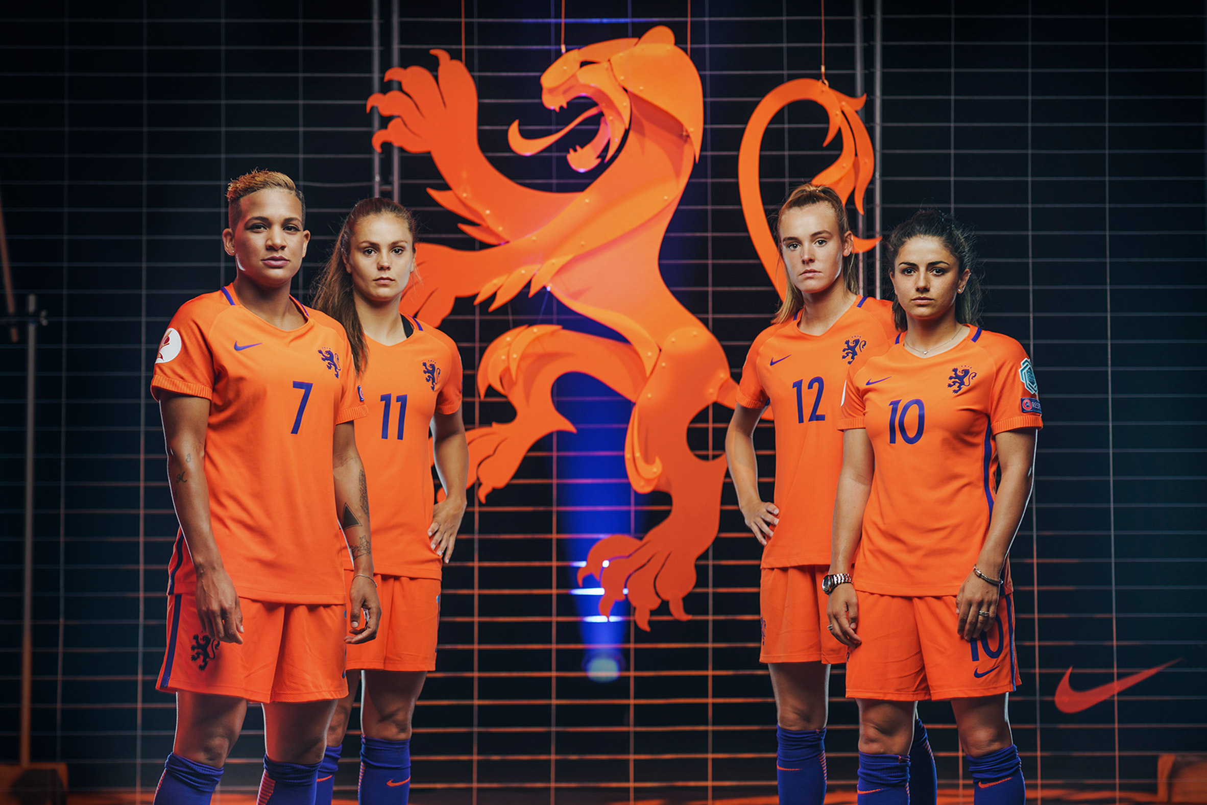 Lion crest on Dutch national football kits undergoes sex change for women's team