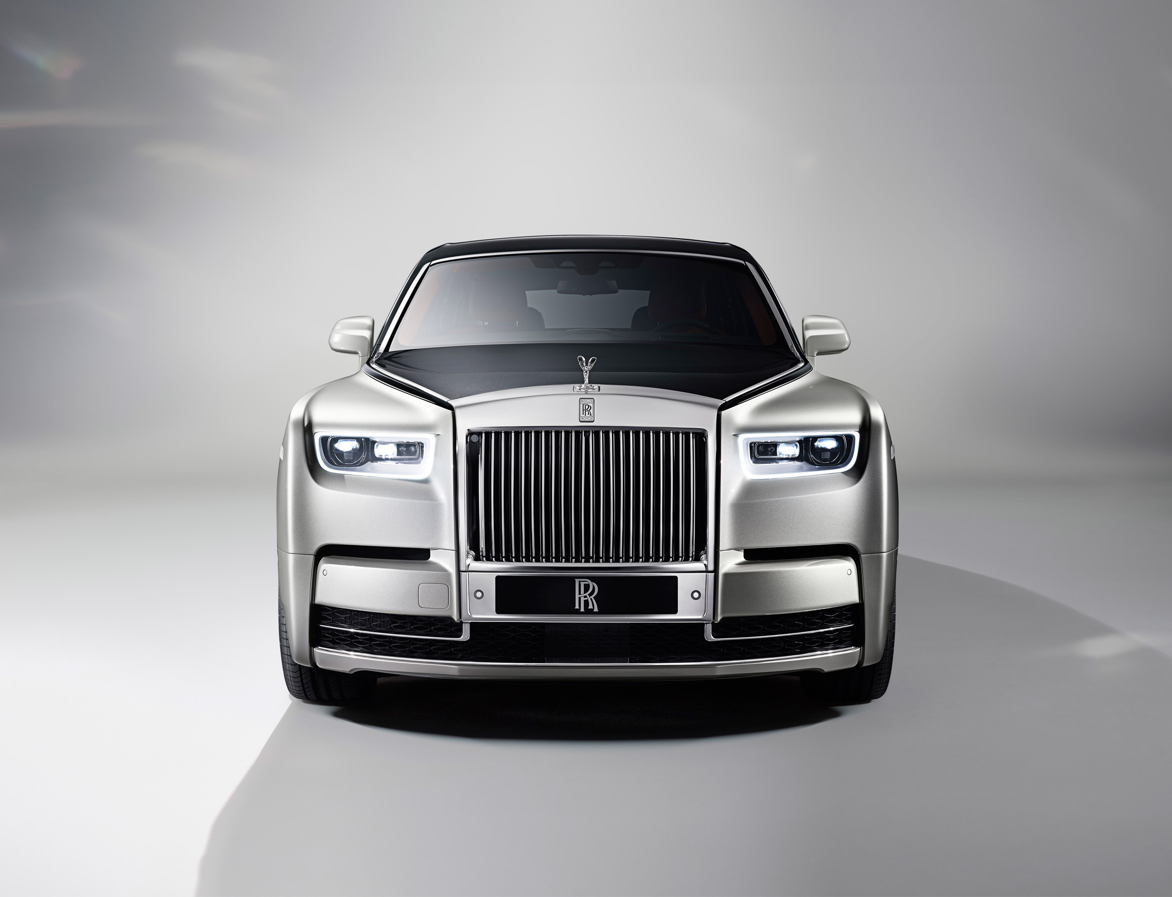 dc design rolls royce in london designer dc Rolls-Royce unveils new Phantom car ...