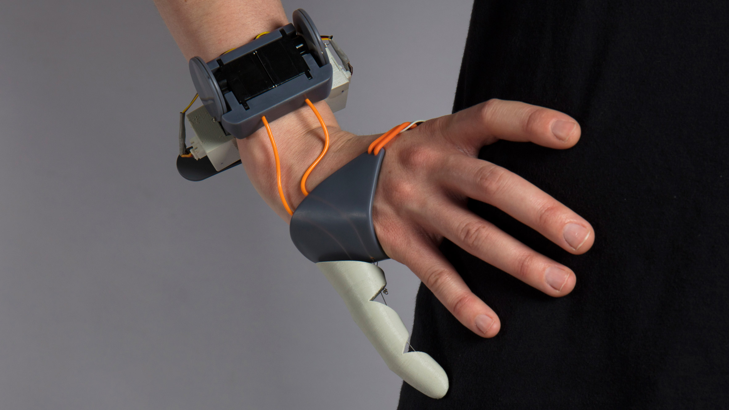 Controllable Third Thumb lets wearers extend their natural abilities