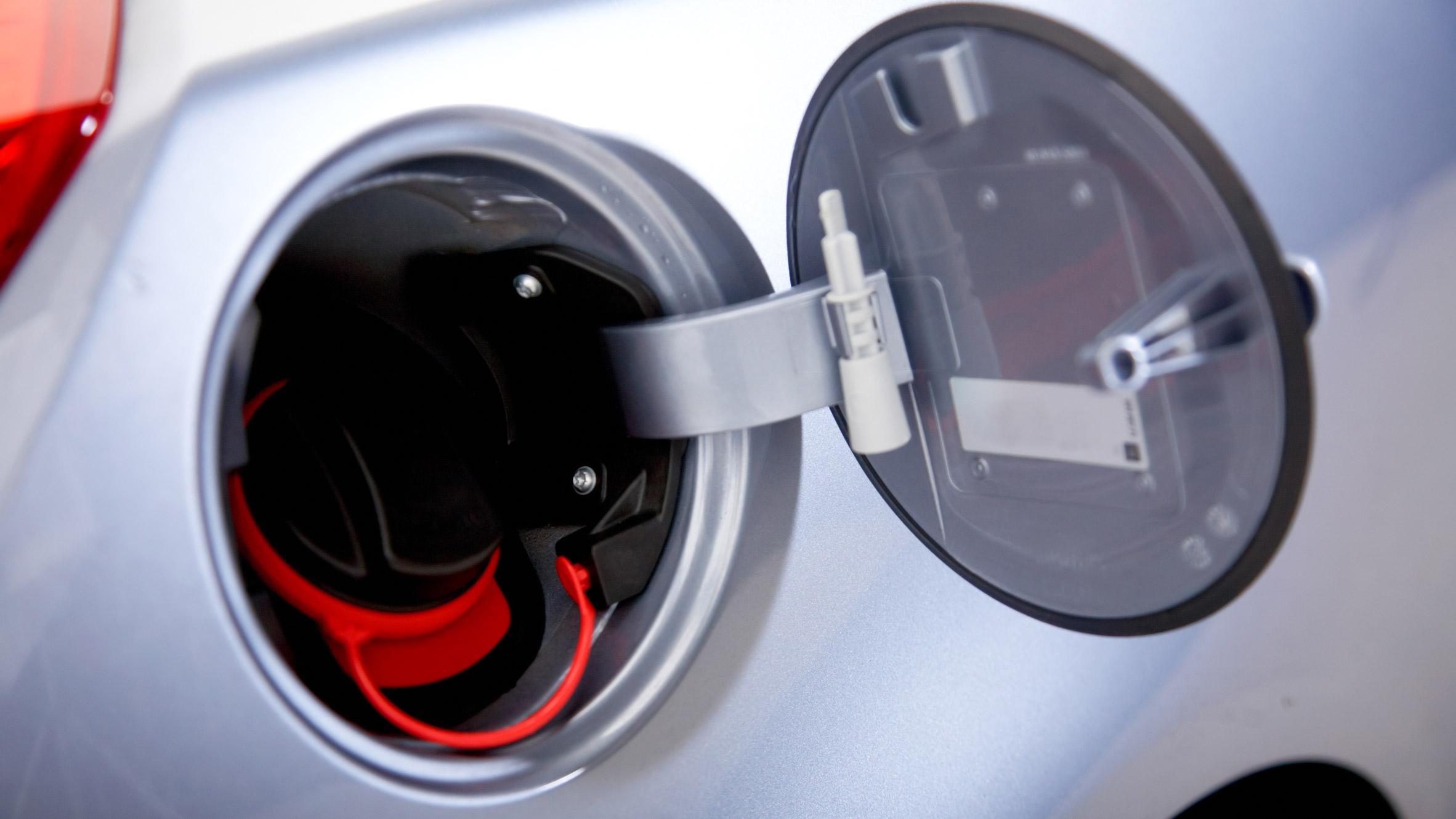 نتيجة بحث الصور عن Car + petrol