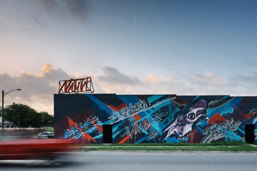 Native Hostel in Austin, Texas, USA, by UN Box Studio