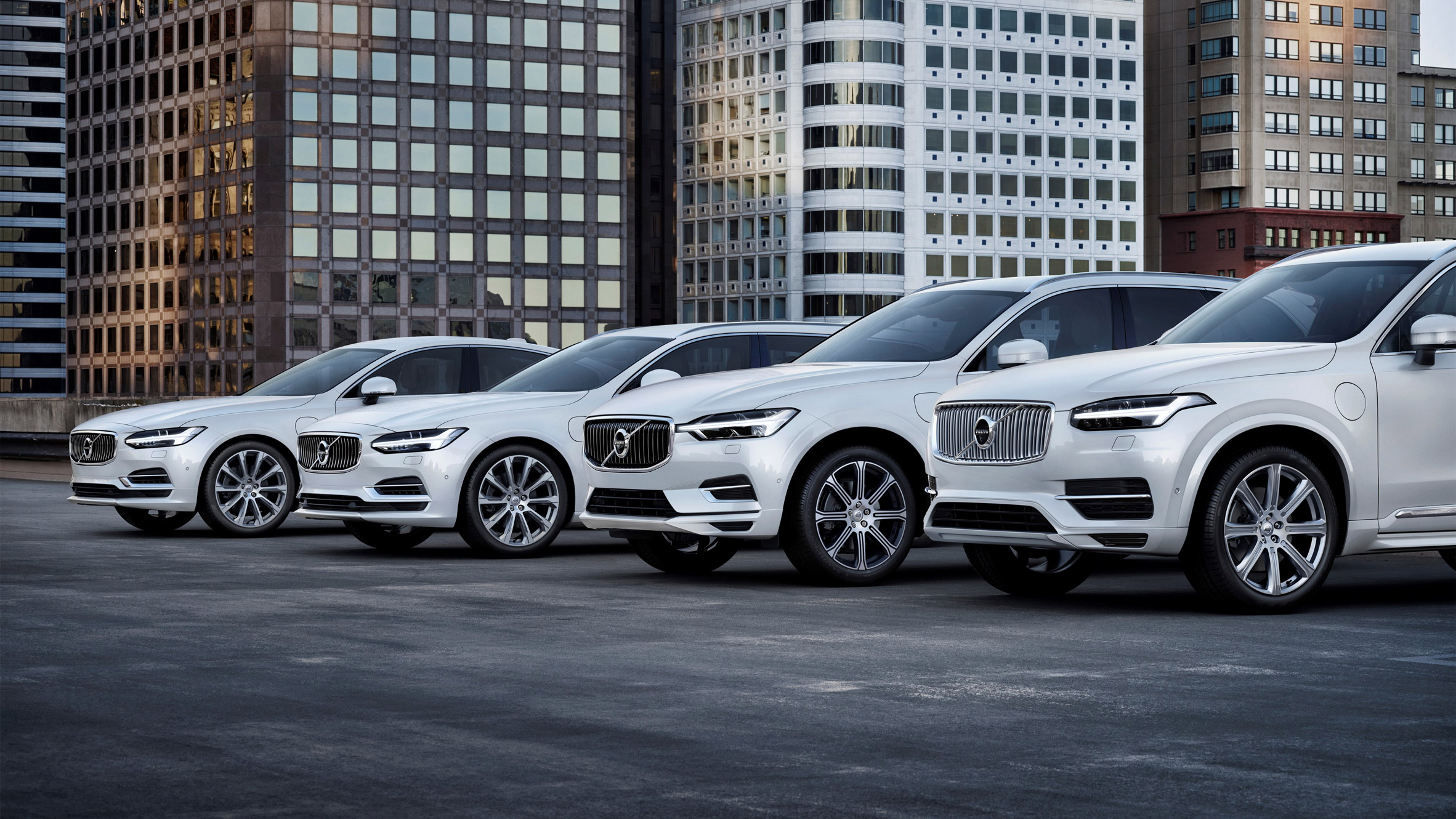 Volvo becomes first car company to switch to only electric and hybrid
