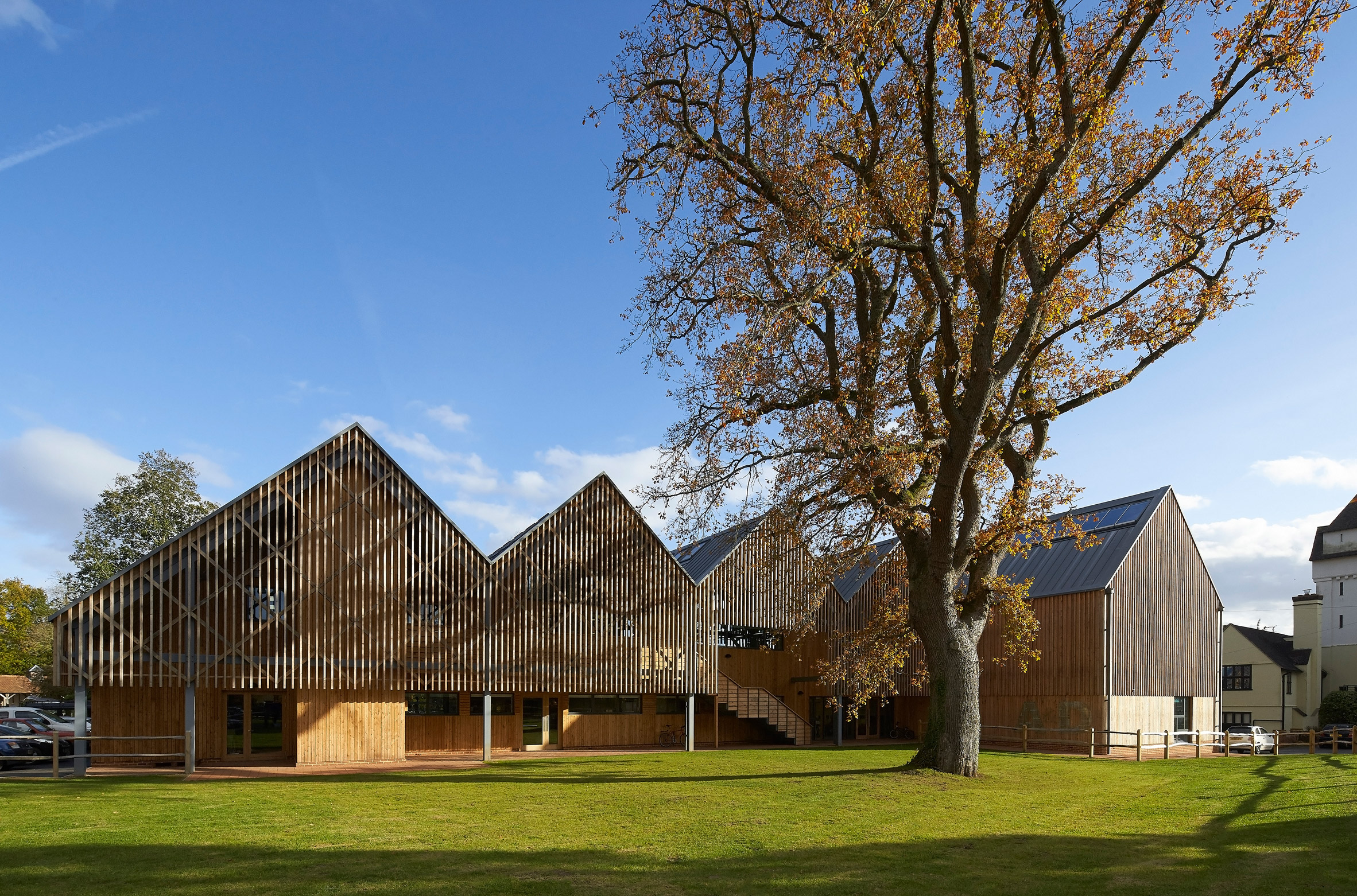 Feilden Clegg Bradley creates barn-inspired art building at Bedales School in Hampshire