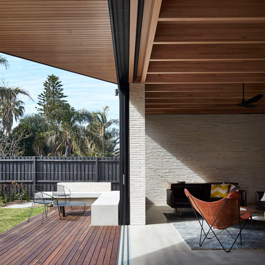 Brick House by Andrew Burges Architects