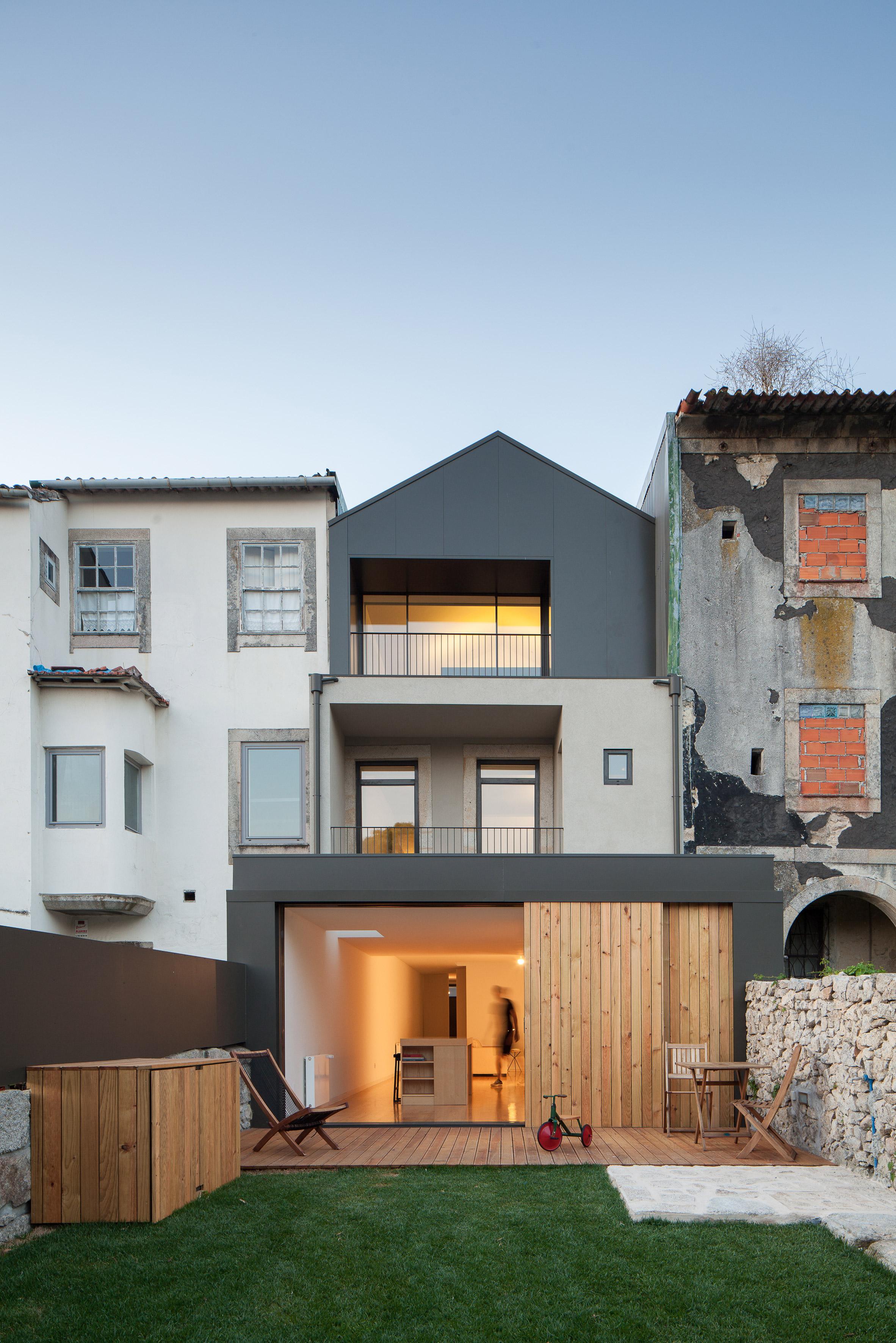 Casa Boavista is a renovated Porto townhouse featuring three skylights