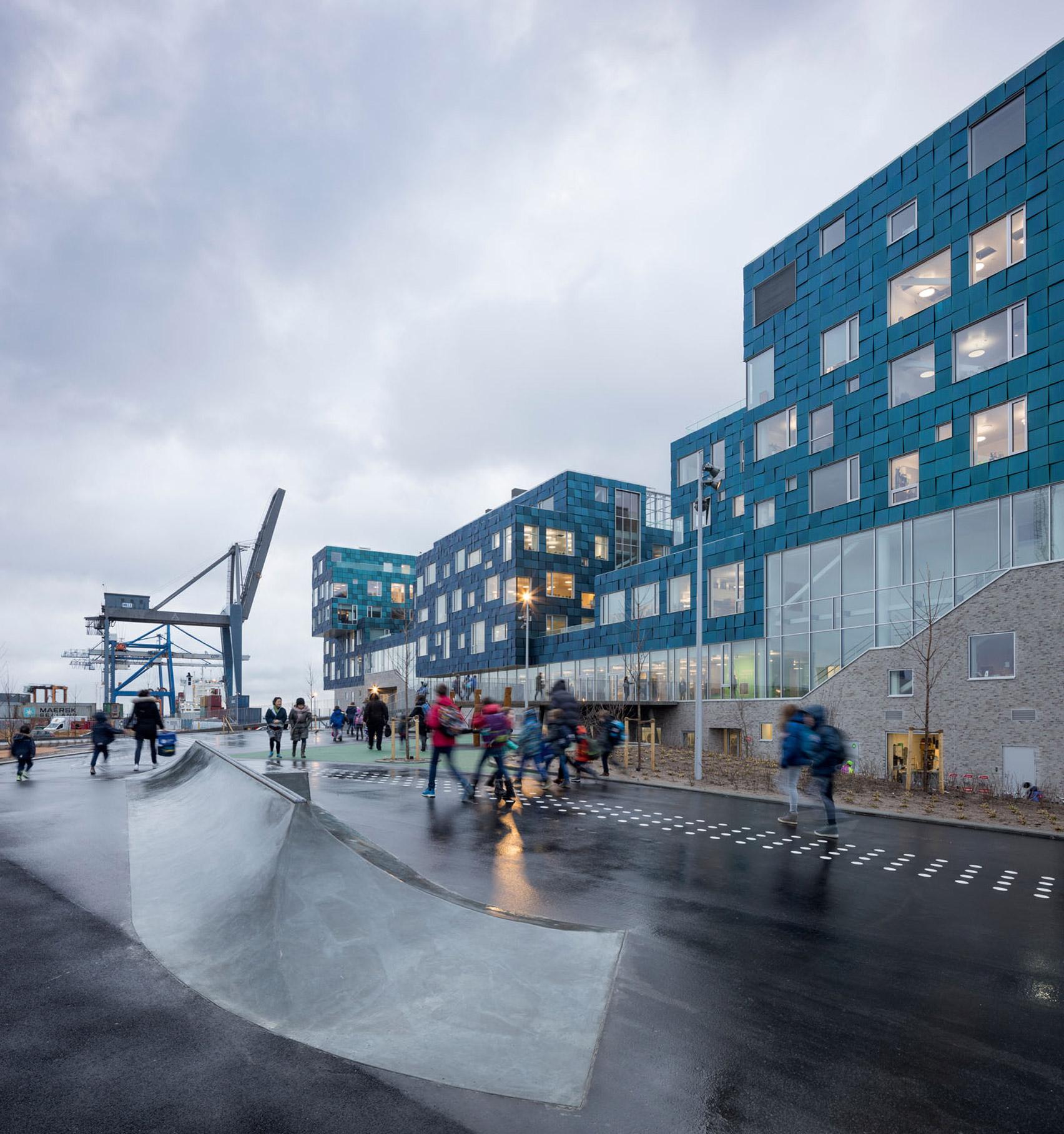 CF Møller covers Copenhagen school in 12,000 solar panels