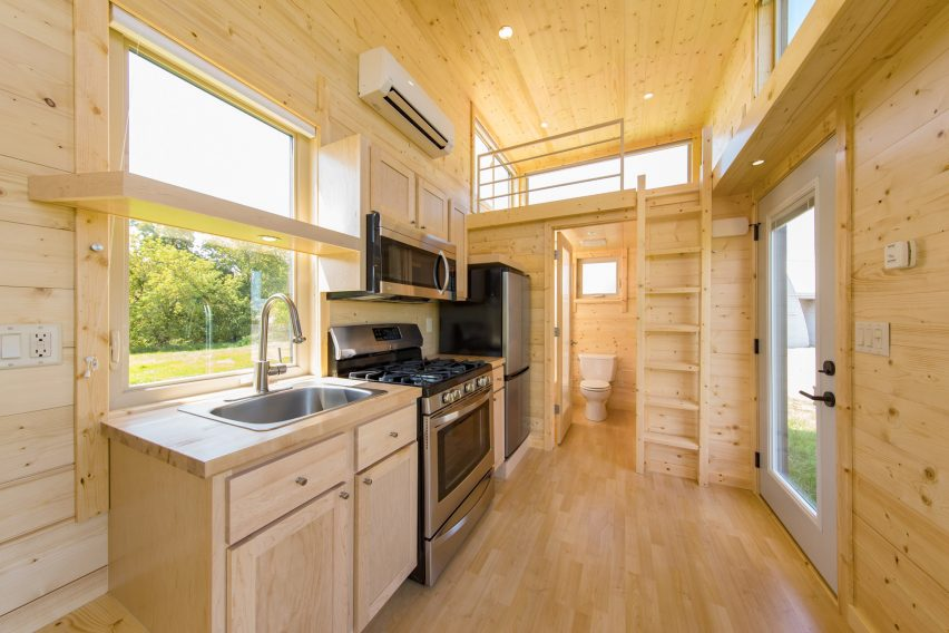 Escape One XL by Escape Homes