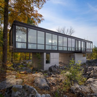 Hawk's Nest by Wiedemann Architects