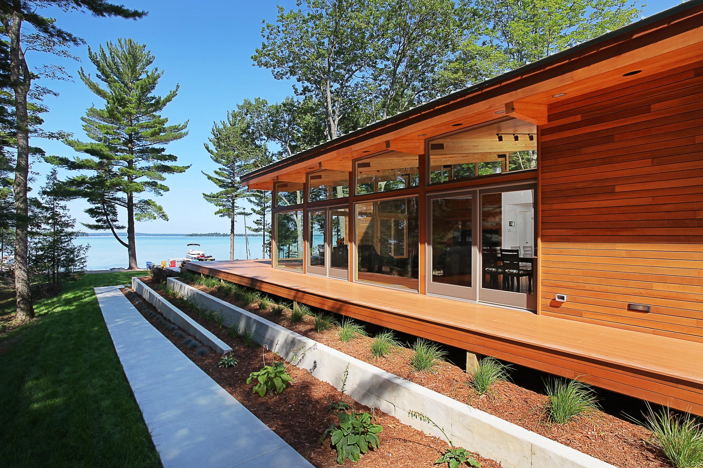 Higgins Lake House by Jeff Jordan Architects