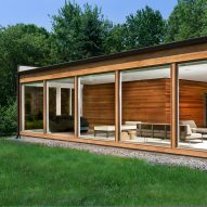 Jeff Jordan Architects updates mid-century home with floor-to-ceiling windows