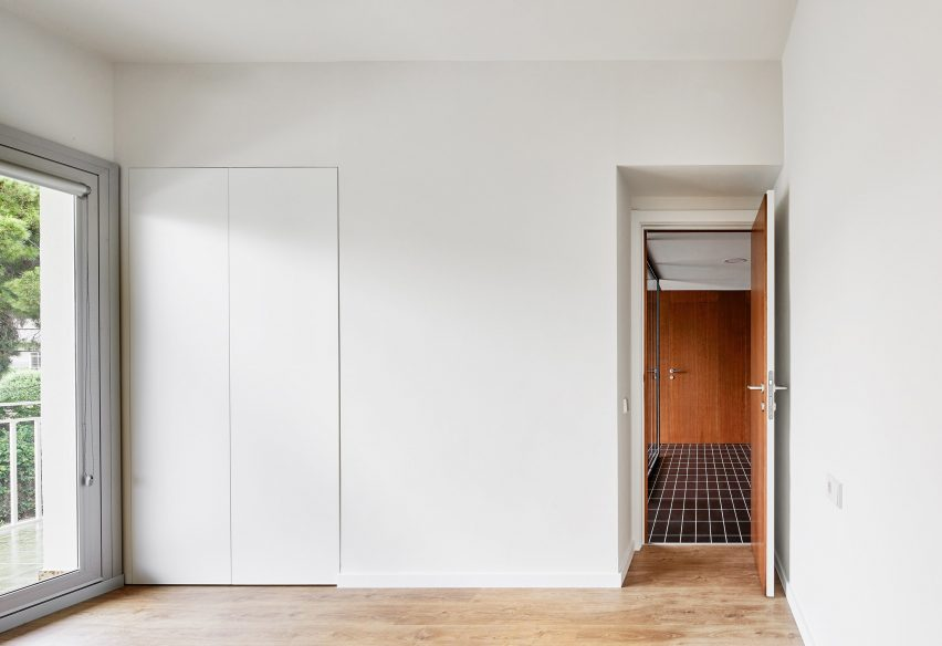 Architect Raúl Sánchez designs House 106 in Barcelona