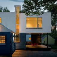 Cuboid extension by EL Studio sits atop a Maryland bungalow