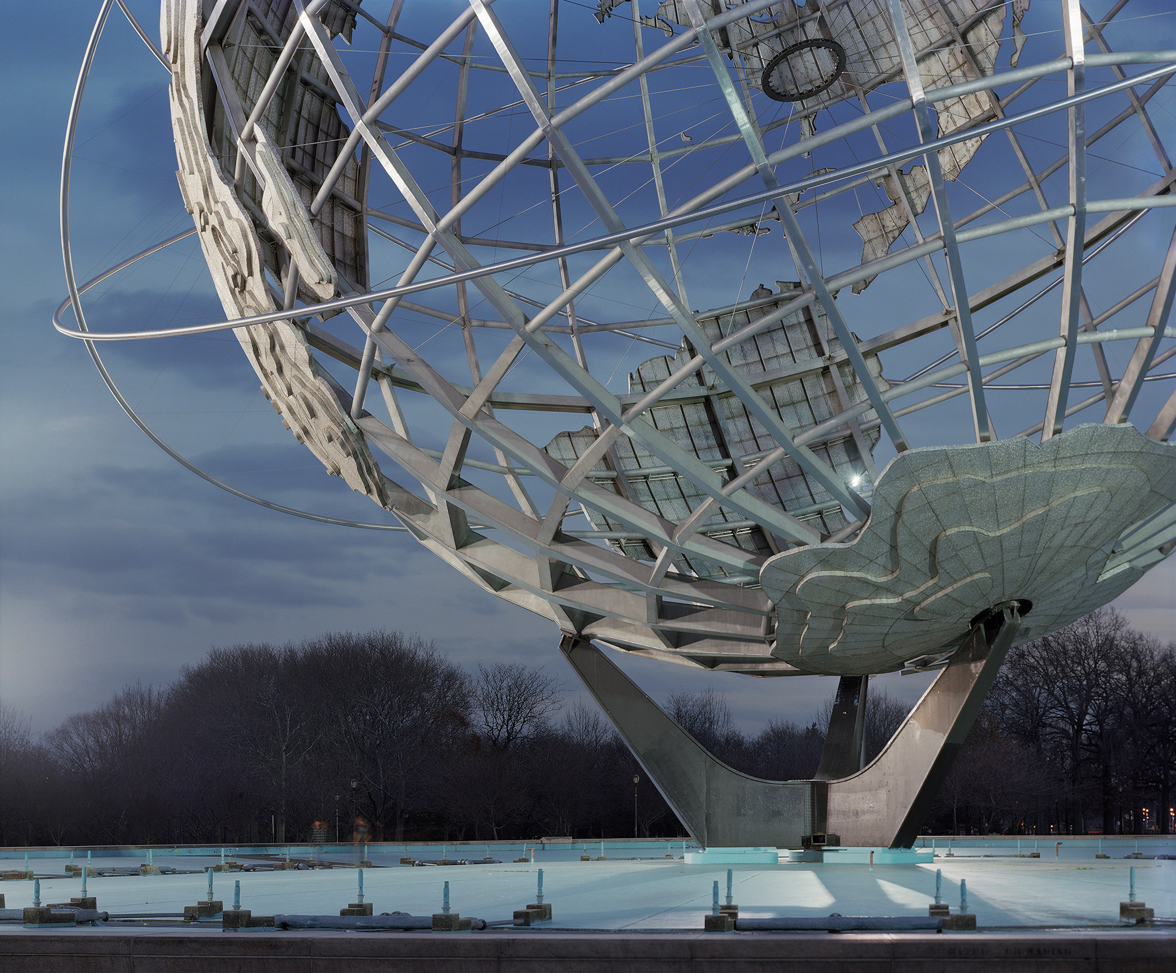 """Jade Doskow's ten-year photography project documents the """"Lost Utopias"""" of past World's Fairs"""
