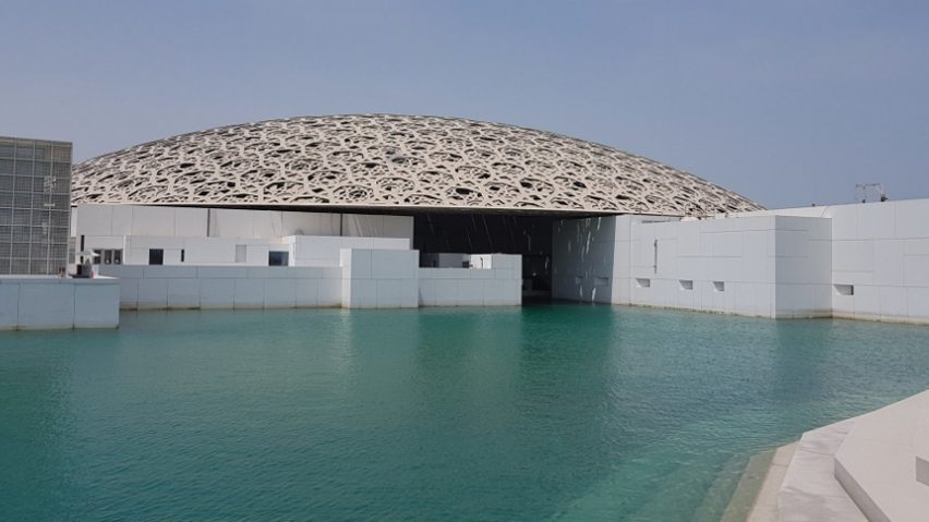 Louvre gallery by Jean Nouvel in Abu Dhabi