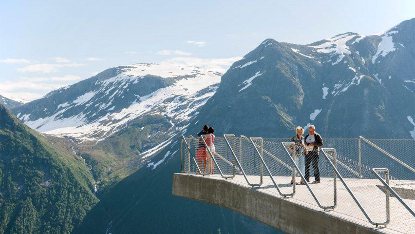 10 must-see landmarks on the Norwegian Tourist Routes