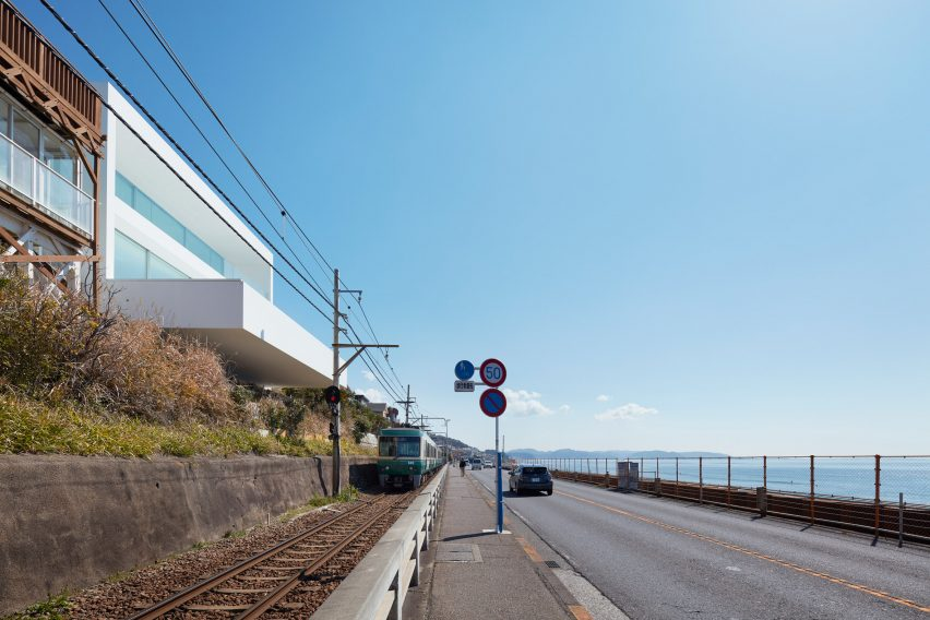 Seaside House in Kanagawa by Shinichi Ogawa & Associates