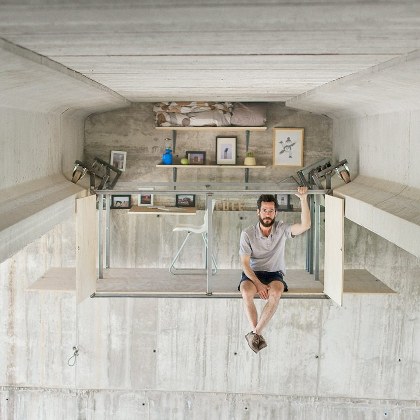 Secret studio under a bridge by Fernando Abellanas