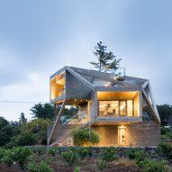 Moon Hoon uses diagonal beams to brace stacked-box house onJeju island