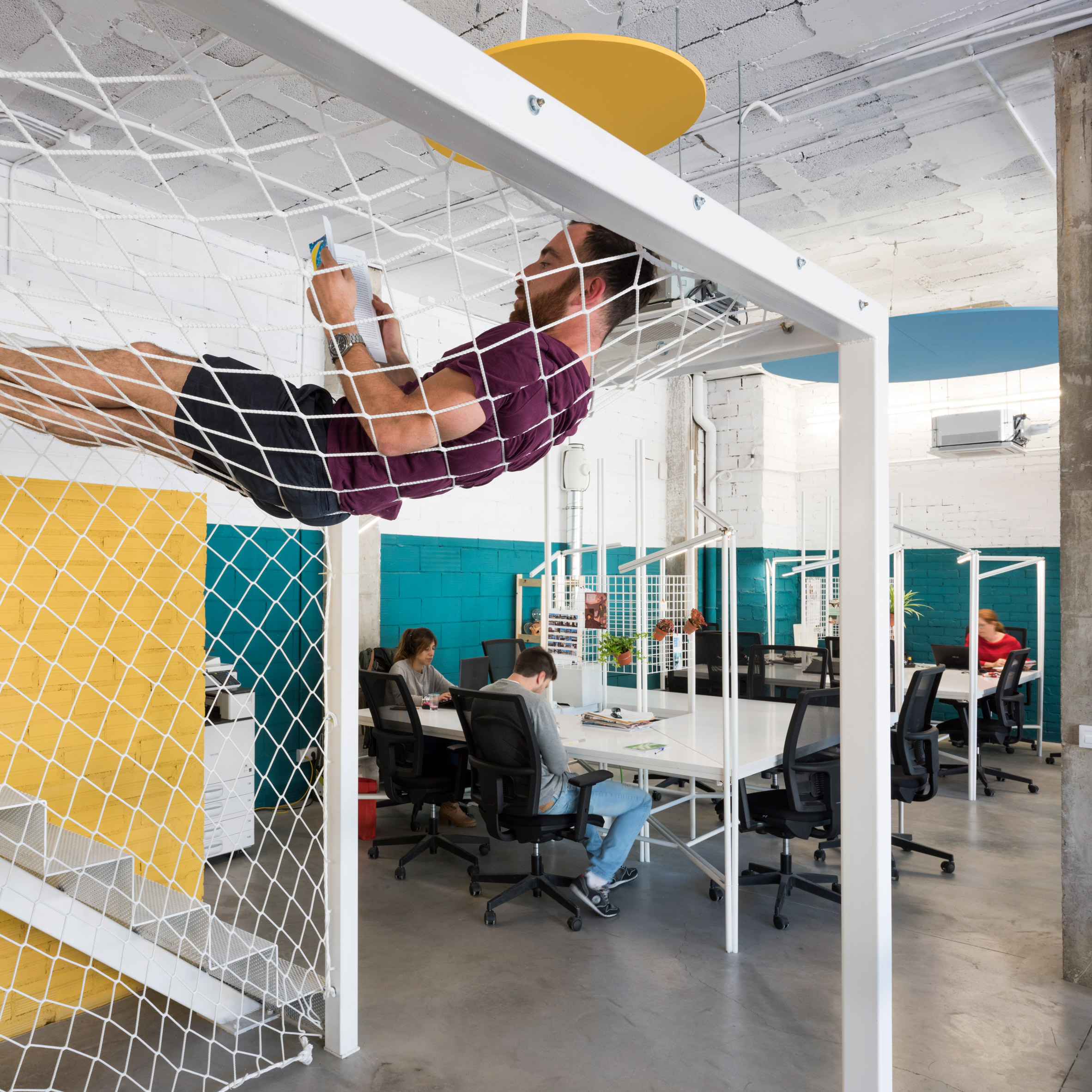 Sinergics Co Working Spaces In Barcelona Showcase Low Budget Furniture Solutions