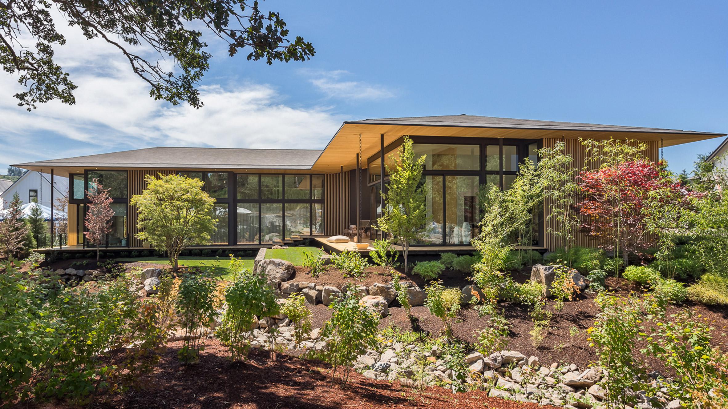 Kengo kuma uses borrowed scenery to infuse nature into for Contemporary homes portland