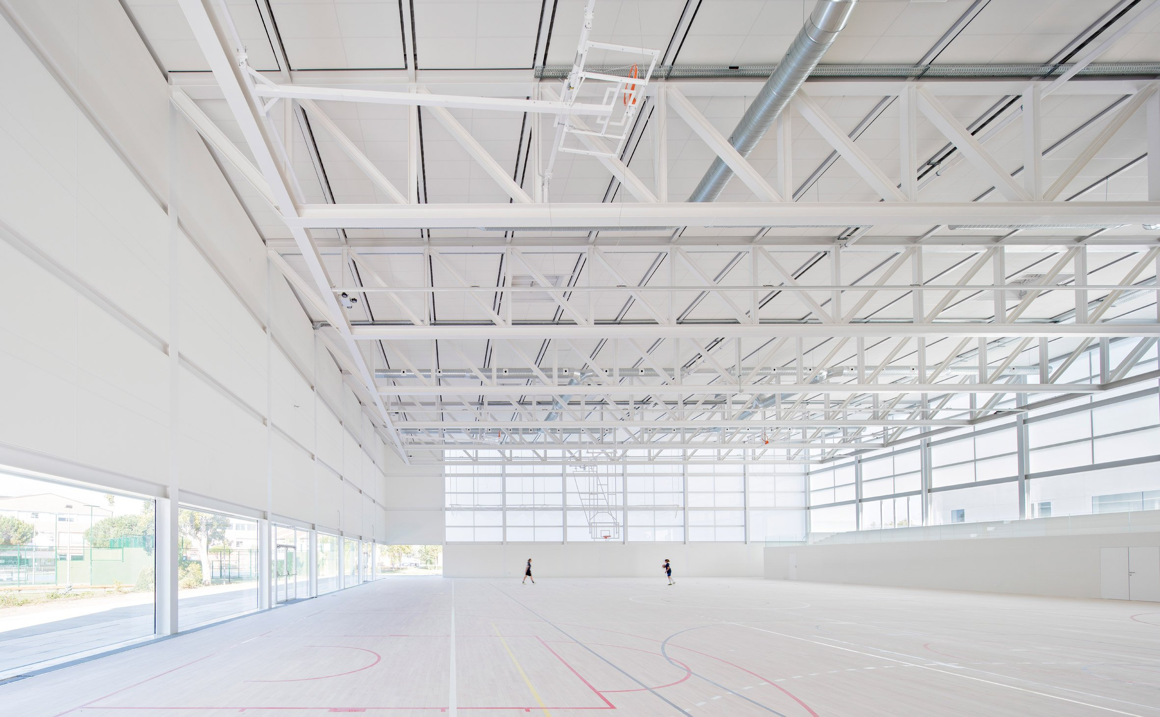 "Alberto Campo Baeza's Madrid sports centre is a ""box of light"""