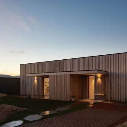 Clare Cousins Architects Creates First Carbon Positive Home In Australiau0027s  Victoria
